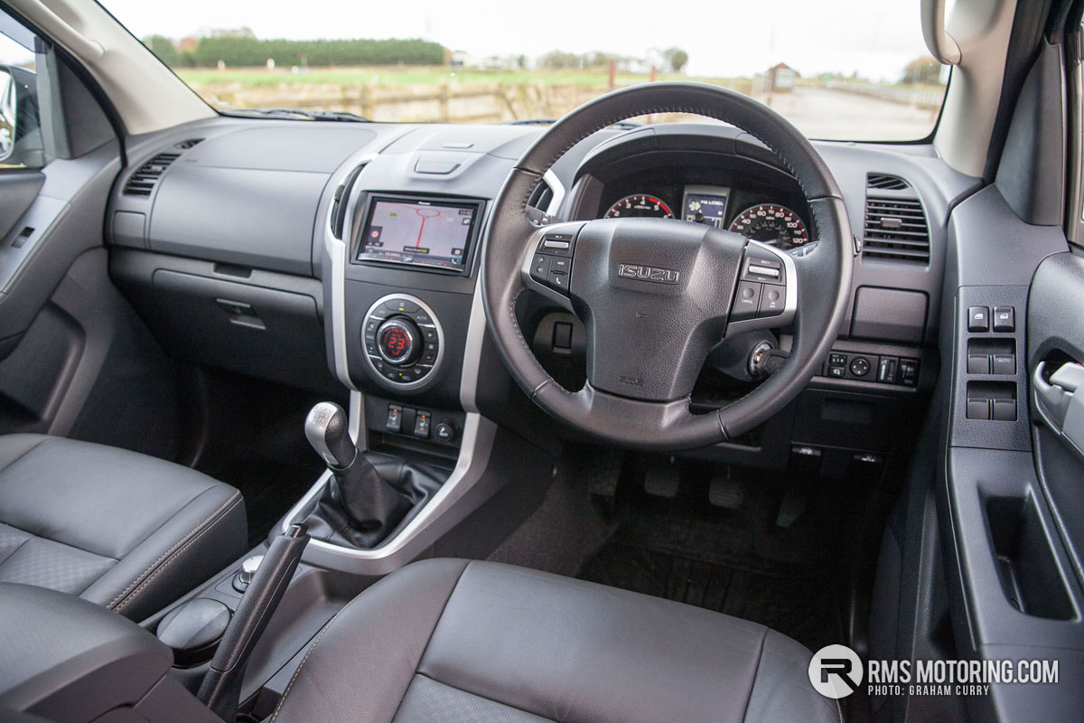 Isuzu AT35 Front Seats