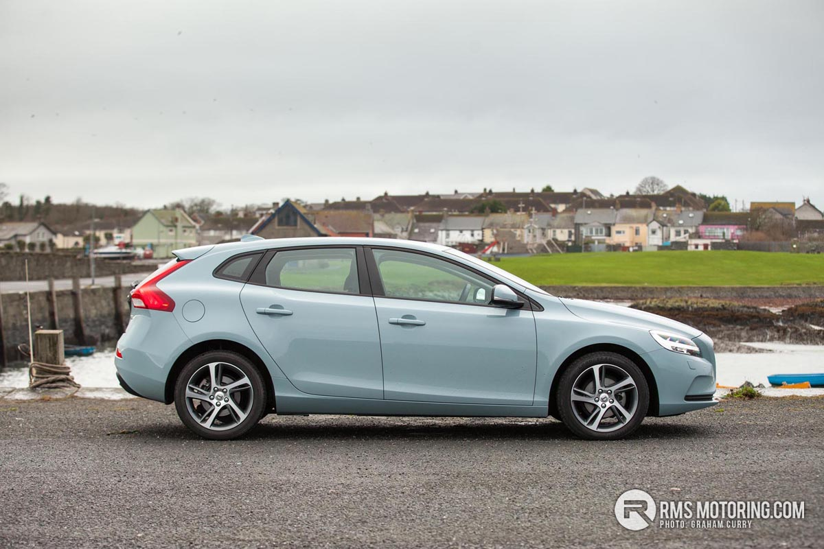 Side of Volvo V40